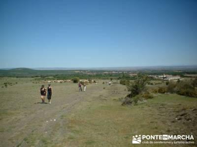 Ascensión a Valdebecerril - senderismo comunidad de madrid; viajes de montaña; viajes a la montañ